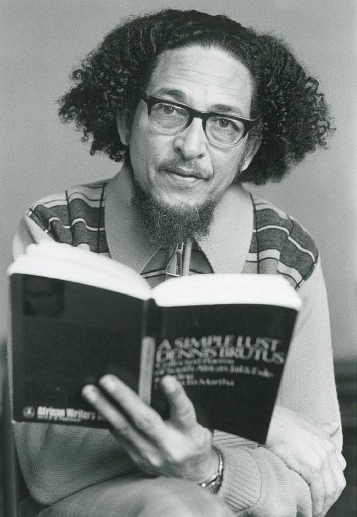 بیوگرافی دنیس بروتوس